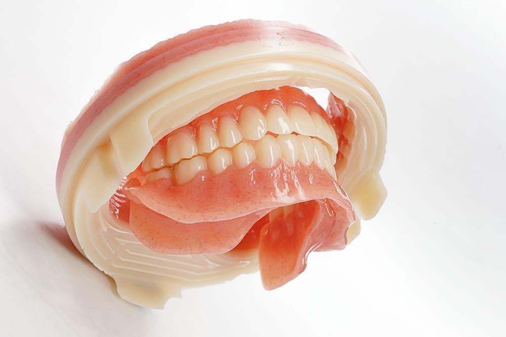 Ivotion Denture